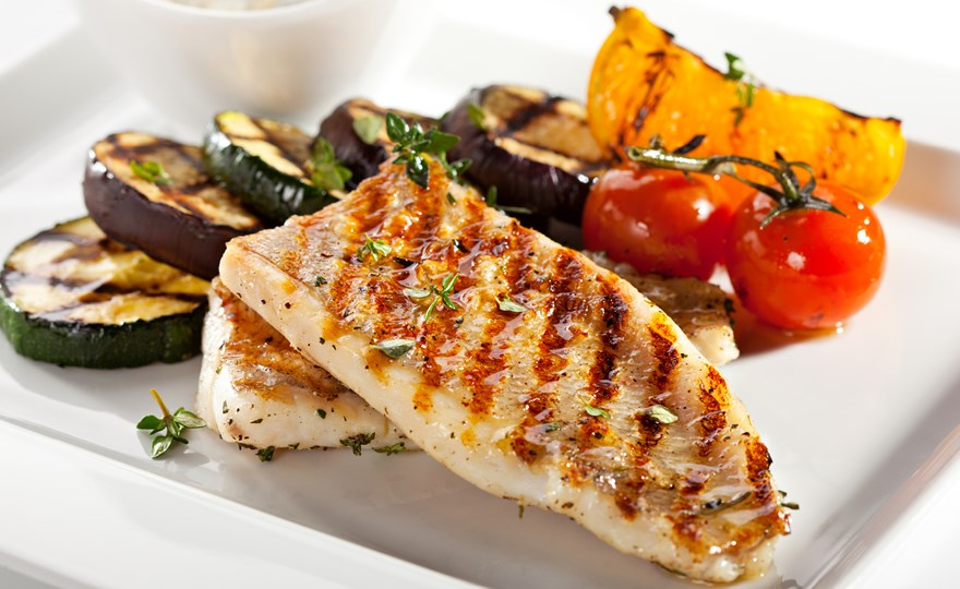 Grilled fish & vegetables 2048x1152.jpg